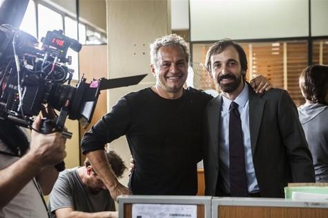O diretor de '1 contra todos', Breno Silveira, com Júlio Andrade, o protagonista (Foto: Divulgação)