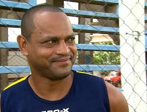 Tuta, atacante do Monte Azul (Foto: Paulo Souza / EPTV)