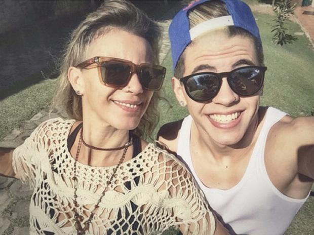Mc Biel com a mãe (Foto: Instagram / Reprodução)