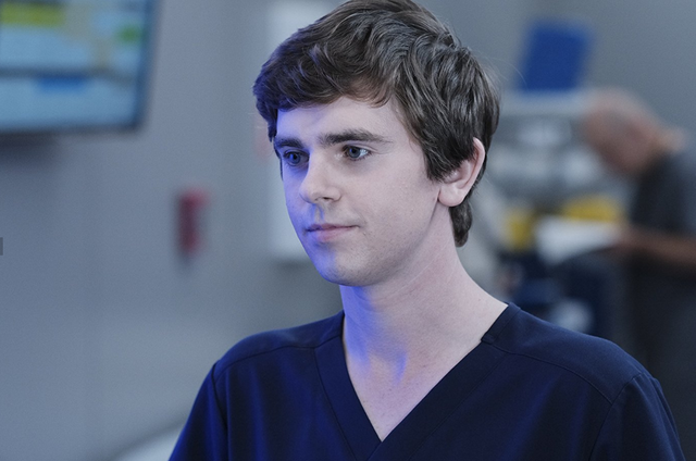 Freddie Highmore em 'The good doctor' (Foto: Eike Schroter/ABC)