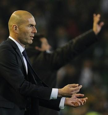 Zidane Real Madrid (Foto: AFP)