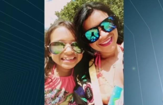 Lidiane Gomes Reis Medrado foi baleada pelo ex; filha, Beatriz Reis Medrado morreu em Goiás (Foto: Reprodução/TV Anhanguera)