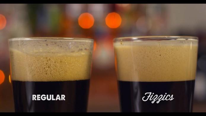 Cerveja possui bolhas menores e mais duradouras que mantém o gosto (Foto: Reprodução/Indiegogo)