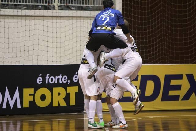 fbbbfde14e Joinville Corinthians Liga Futsal (Foto  Manolo Quiróz Divulgação)
