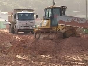 Em São José, trabalhos estão em fase de terraplanagem (Foto: Reprodução RBS TV)