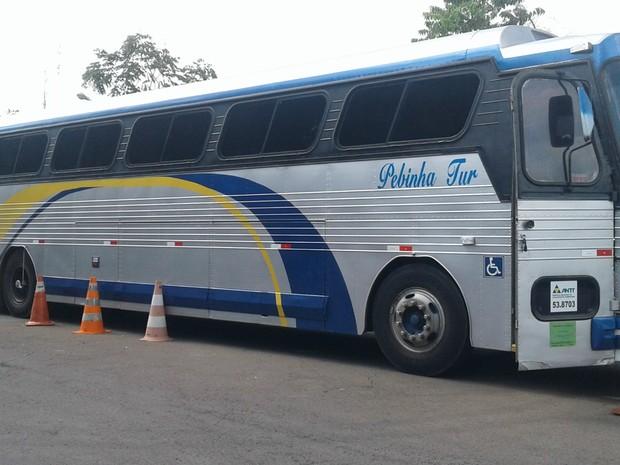 Um dos ônibus utlizado para fazer contrabando de mercadorias para o DF (Foto: Jéssica Simabuku/G1)