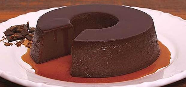 Pudim de chocolate meio amargo: receita da chef Daniela Aliperti que não é comercializada na Fôrma de Pudim (Foto: Divulgação)