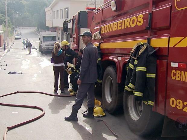 Moradores reivindicam unidade do Corpo de Bombeiros em Guaxupé (Foto: Reprodução EPTV)