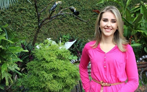 Flávia Rezende é a apresentadora do quadro (Foto: Katiúscia Monteiro/ Rede Amazônica)