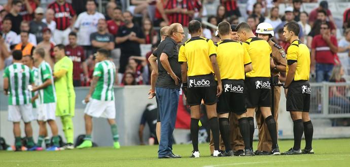 Atletiba Atlético-PR Coritiba  (Foto: Giuliano Gomes/PR Press)