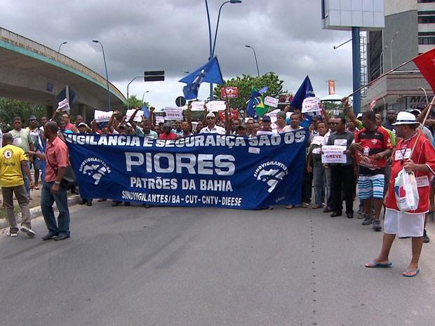 passeata (Foto: Reprodução/TV Bahia)