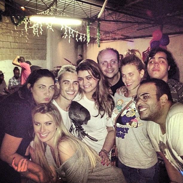 Carolina Dieckmann, Preta Gil e outros amigos na festa de Fernanda Keulla (Foto: Reprodução/Instagram)