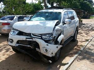Carro envolvido em batida que matou neta de deputada e outros dois familiares na Bahia (Foto: Site Forte da Notícia)