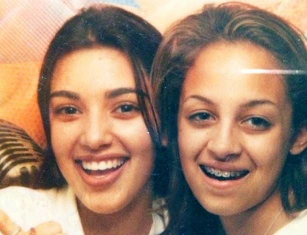 Nesta foto, as socialites Kim Kardashian (à esq.) e Nicole Richie estavam ambas com 13 anos. A primeira virou a maior estrela de reality shows norte-americanos dos anos 2010, e a segunda, estilista. (Foto: Instagram)