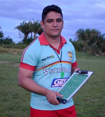 Pablo Simões, técnico interino do Galvez  (Foto: Nathacha Albuquerque)
