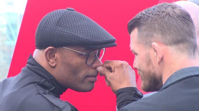 Anderson Silva x Michael Bisping encarada UFC Londres MMA (Foto: Ivan Raupp)