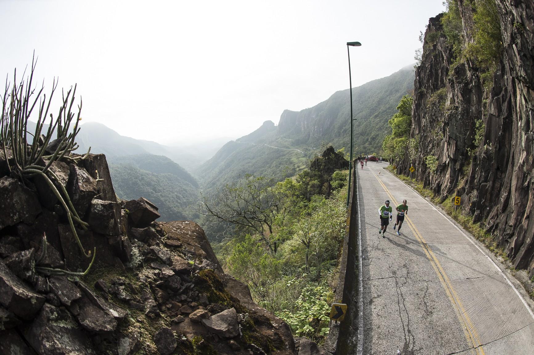 Cena comum da Uphill: ladeirão e sofrimento (Foto: Divulgação)