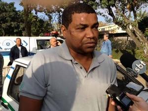 Mecânico foi ferido em resgate em campo grande (Foto: Mariucha Machado/G1)