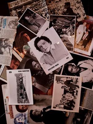 Família de Ned guarda recortes de jornais e discos do cantor em um síto no interior de São Paulo (Foto: Caio Kenji/G1)