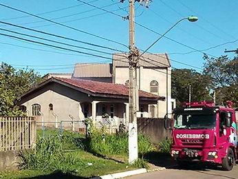 Incêndio destruiu quarto de casa no Bairro Novo Mato Grosso, em Cuiabá. (Foto: Caio Alexandre/Arquivo pessoal)