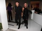 Carlos Alberto Riccheli e Bruna Lombardi usam looks pretos