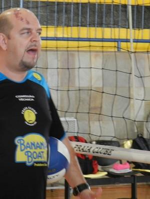 Técnico Spencer Lee do Praia Clube de Uberlândia (Foto: Felipe Santos/GLOBOESPORTE.COM)