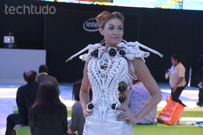 vestido robô aranha (Foto: Fabrício Vitorino/TechTudo)