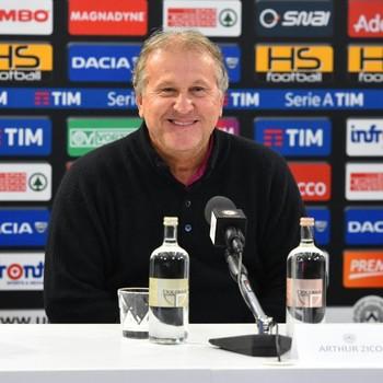 Zico em entrevista coletiva Udinese (Foto: Divulgação / Udinese)