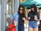 Selena Gomez usa bolsa avaliada em R$ 3,9 mil para tomar café, em L.A