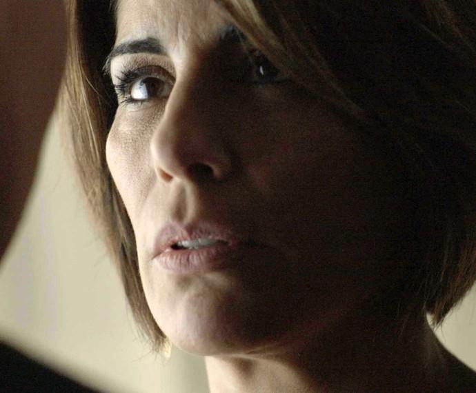 Beatriz contorna Diogo (Foto: TV Globo)