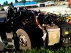 Cabine de caminhão é arrancada em acidente e motorista sai ileso