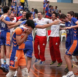 Vôlei de Uberlândia vence primeiro jogo da etapa regional dos Jemg (Foto: Academia do Vôlei/UTC/Divulgação)