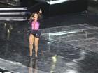 De look curto, Ivete Sangalo sobe ao palco na Arena Fonte Nova para gravar DVD comemorativo