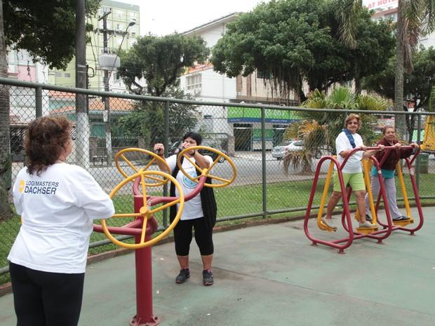 Academias ao ar livre são opção para interessados em se exercitar em Santos, SP (Foto: Susan Hortas / Prefeitura de Santos)