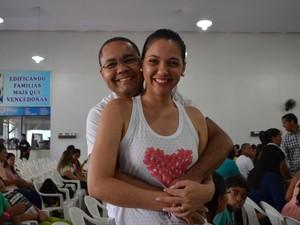 Jorge e Lucélia Rodrigues afirmam que ter feito relação sexual somente após o casamento fortificou a união (Foto: Valéria Oliveira/ G1)