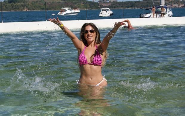 Ex-BBB Anamara curte dia de praia e exibe corpão (Foto: Amelia Dorea/Agencia Fred Pontes/Divulgacao)