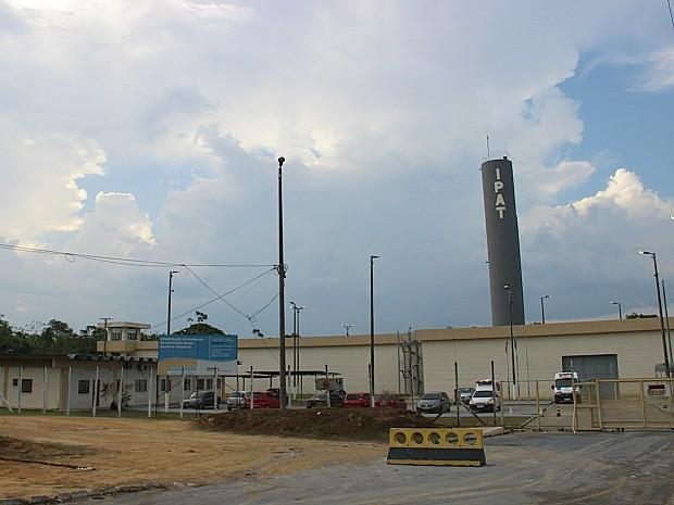 Instituto Penal Antônio Trindade (Ipat) fica localizado no km 8 da rodovia BR-174 (Foto: Indiara Bessa/G1 AM)