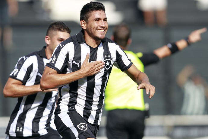 Yaca, Botafogo, comemora gol contra Bangu (Foto: Crédito: Vitor Silva / SSpress / Botafogo)