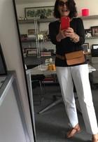 Gloria Kalil 'absolve' a pochete e causa na web: 'Rainha da elegância'
