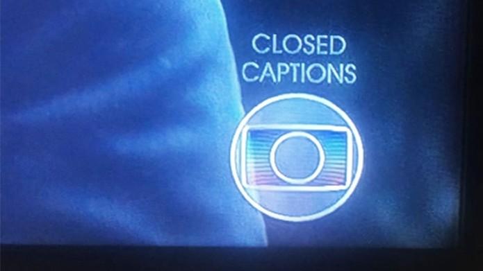 Closed Captions indica se há legendas disponíveis na programação (Foto: Reprodução/Karen Malek)