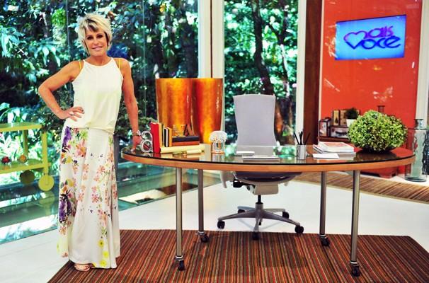 Ana Maria Braga usa muitas saias longas no Mais Você (Foto: Divulgação/ TV Globo)