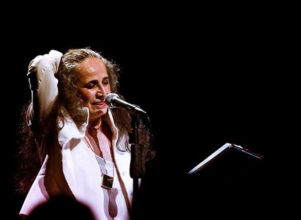 """""""Bethânia e as Palavras"""",  abre o festival no dia 22 de março, às 20h, no Teatro Guaíra (Foto: Divulgação)"""
