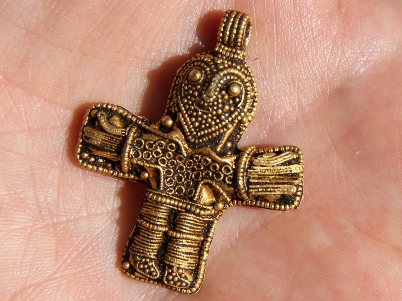 Crucifixo encontrado por Fabricius Holm (Foto: Reprodução/Østfyns Museum )