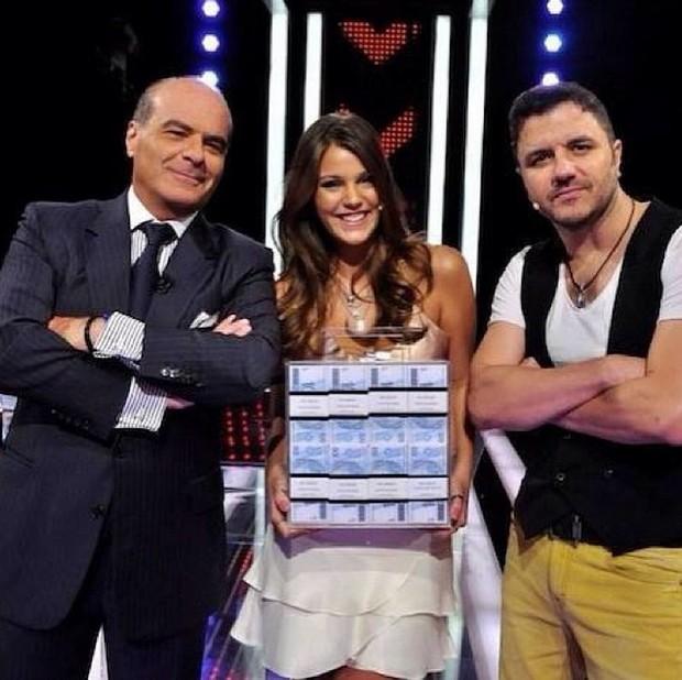 Pâmela Tomé já participou do programa 'Mega Senha', apresentado por Marcelo de Carvalho (Foto: Reprodução/Instagram)