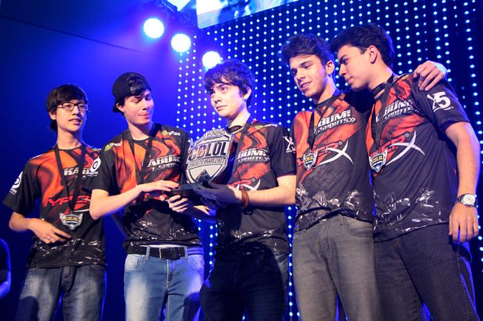 Kabum, equipe vencedora do Campeonato Brasileiro de League of Legends (Foto: Tais Carvalho / TechTudo)