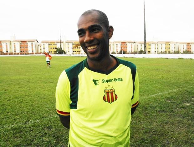 Arlindo Maracanã não joga desde a final da Copa União (Foto: Divulgação/Site do Sampaio)