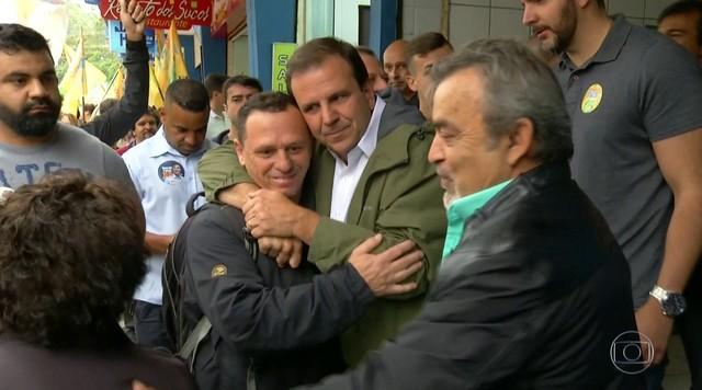 Eduardo Paes (DEM) faz campanha em Teresópolis