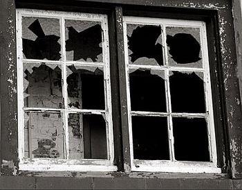 Teoria da janela quebrada (Foto: Arquivo Google)