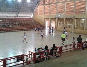 Campeonato Acreano de Handebol feminino no Álvaro Dantas (Foto: Divulgação/Fach)