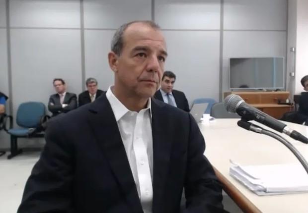 O ex-governador do Rio de Janeiro, Sérgio Cabral (PMDB), presta depoimento ao juiz Sérgio Moro em Curitiba (Foto: Reprodução/YouTube)